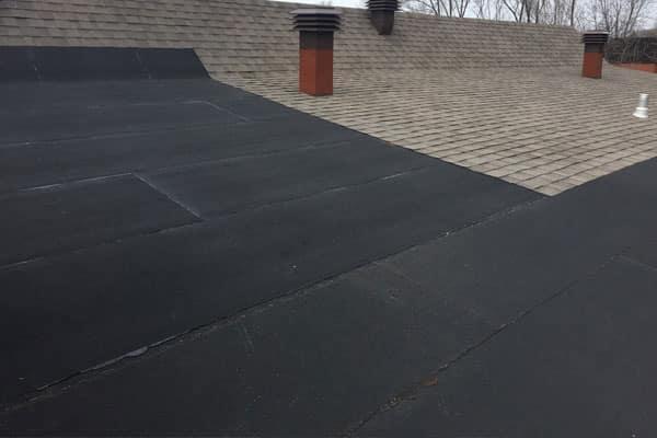 Membrane étanche sous le bardeau d'asphalte